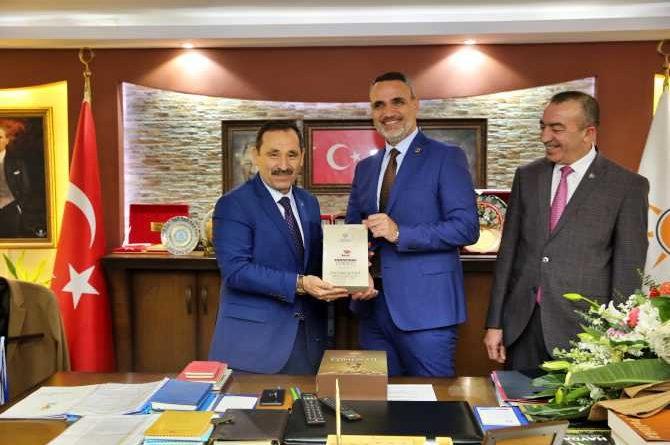 Enver Demirel'den Ak Parti'ye ziyaret