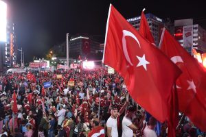 ABB Demokrasi Nöbetinde Fire Yok