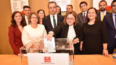Türkiye Belediyeler Birliği'nin ilk kadın başkanı Fatma Şahin oldu.