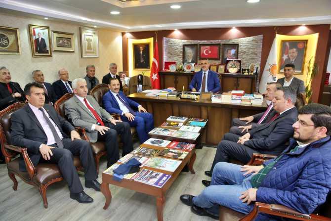 Başkan Demirel'den Ak Parti İlçe Başkanlığı'na ziyaret